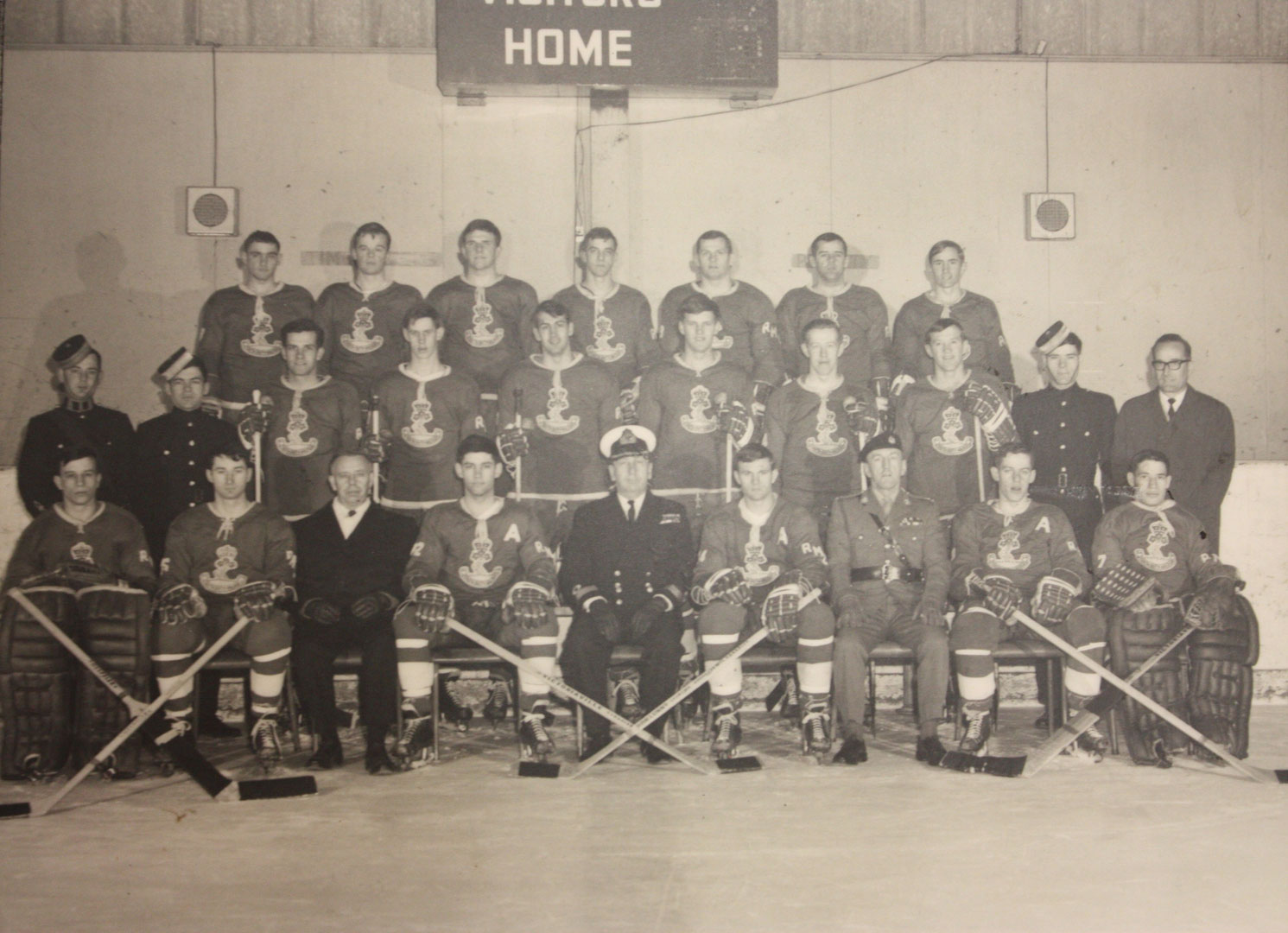RMC Hockey 1968-69 Picture