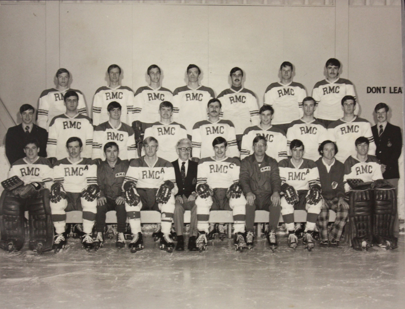 RMC Hockey 1974-75 Picture